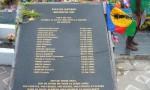 Sur la tombe des 19 à Wadrilla