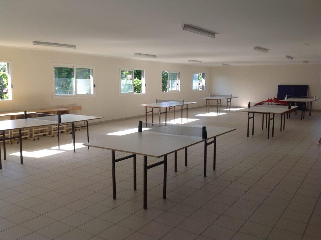 Un atelier tennis de table au lycée
